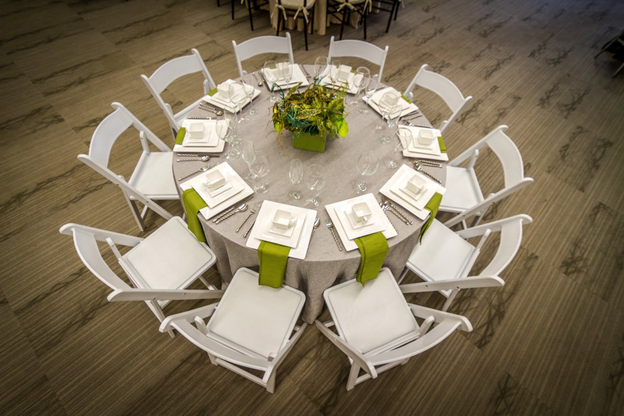 table chairs linens